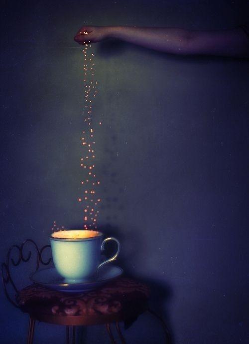 Photos Humour : Le café est servi avec des flocons de lait en poud