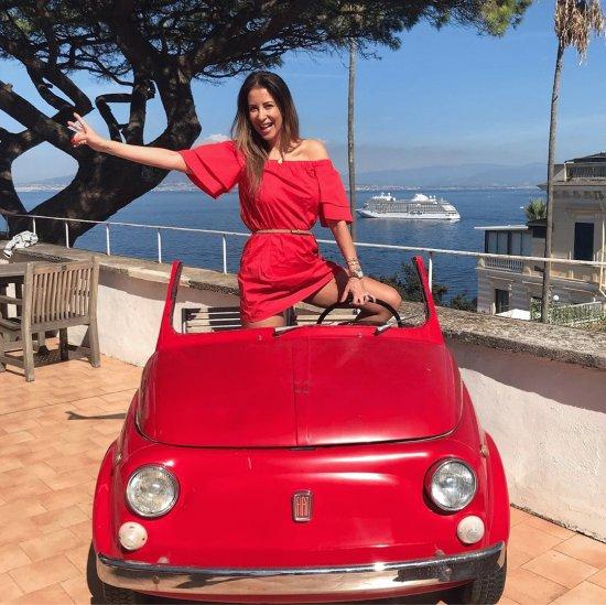 Photos Humour : elle voulait une voiture italienne